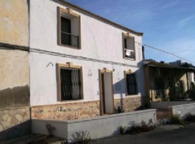 Casa en Calle Alzabaras