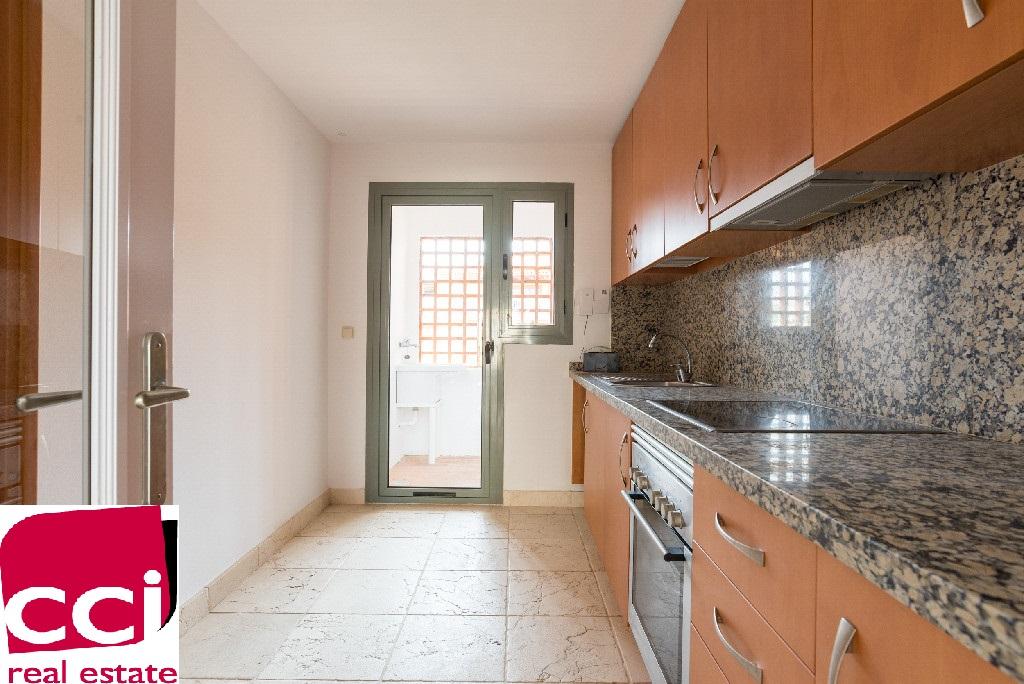 Apartamento en Urbanización BENATALAYA, BENAHAVIS