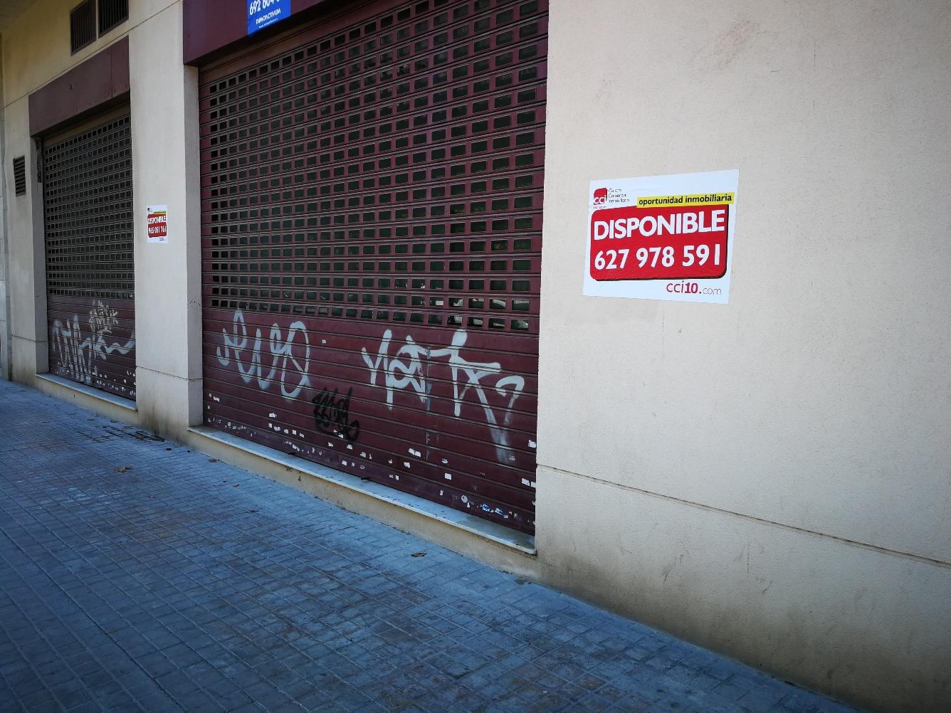 Local - 1ª línea comercial en Calle TRAFALGAR
