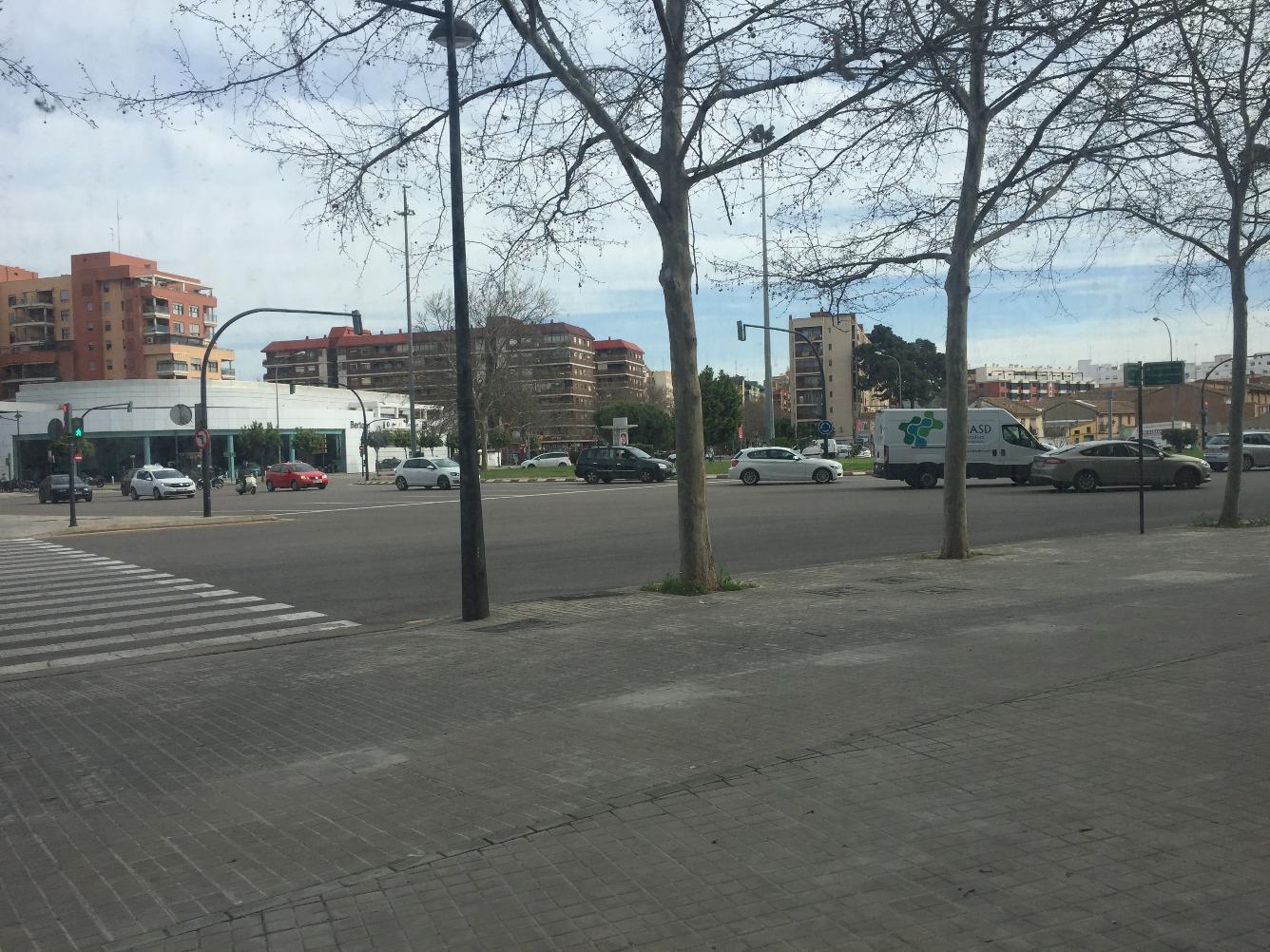 Local - 1ª línea comercial en Avenida GENERAL AVILES