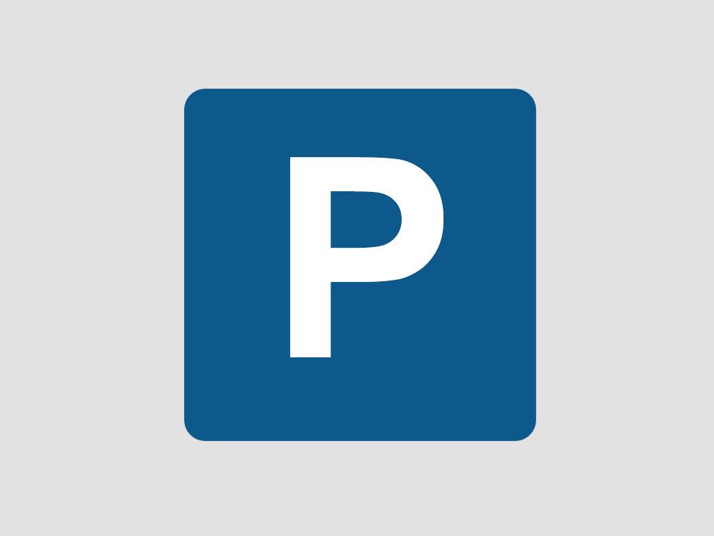 Parking en Calle mercado común