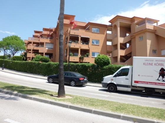 Apartamento en venta  en Avenida CASARABONELA, Marbella