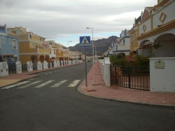 Chalet adosado en Calle HISPASAT