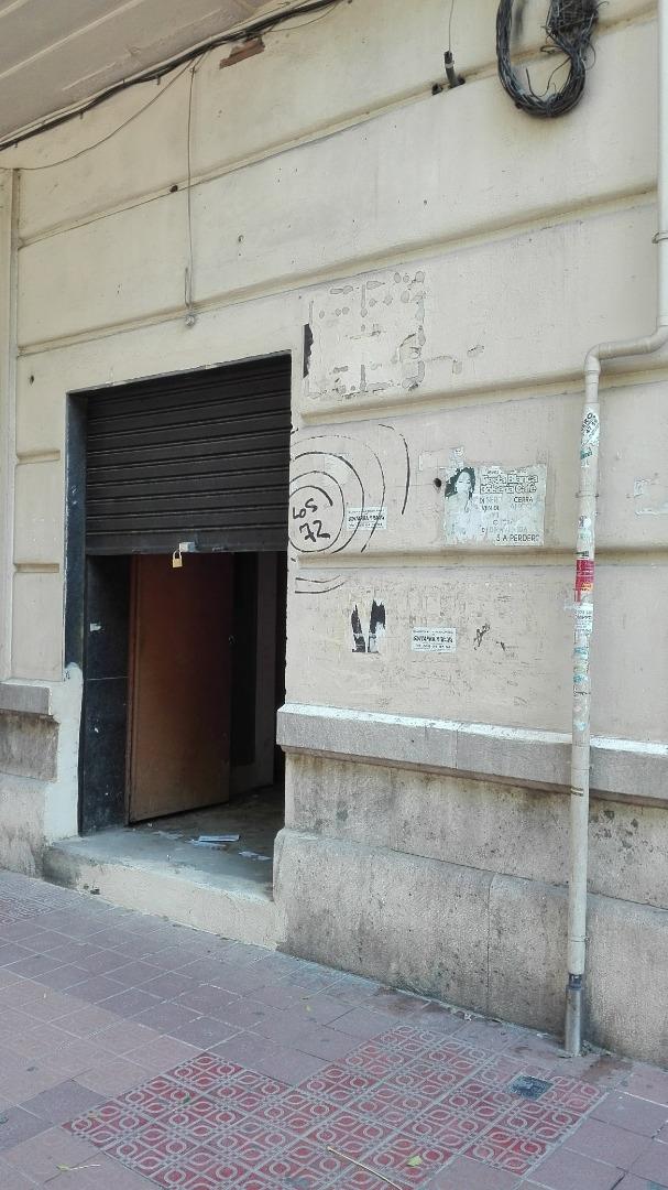 Local - 1ª línea comercial en  Marques del Turia