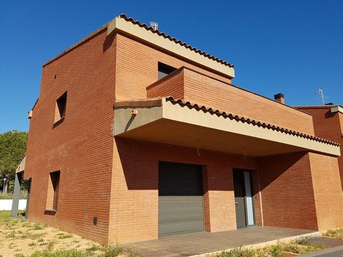 Casa en venta  en  miquel marti i pol, El Catllar