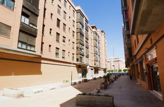 Local en venta  en Calle JARA, Almería