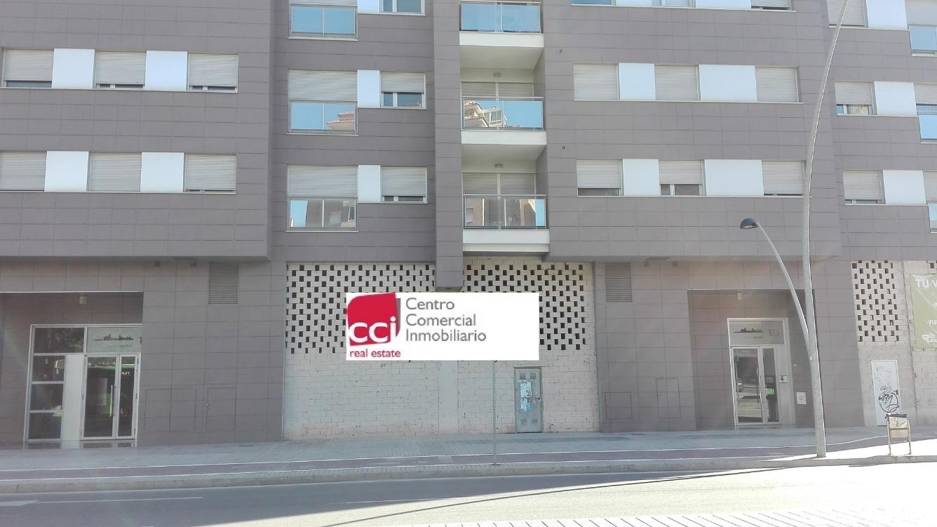 Local - 1ª línea comercial en venta  en Avenida Villarreal, Castellón de la Plana / Castelló de la Plana