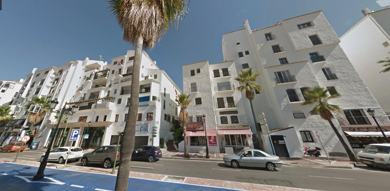 Apartamento en  c/ Muelle Ribera. Puerto Jose Banús