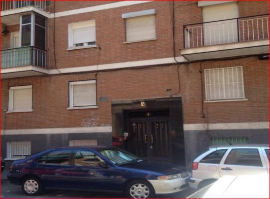 Piso en venta  en Calle  CHIMBO , Madrid Capital