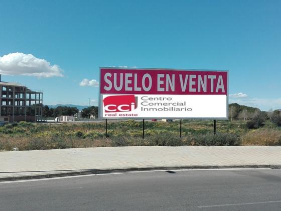 Suelo - Comercial en venta  en La Pobla de Vallbona