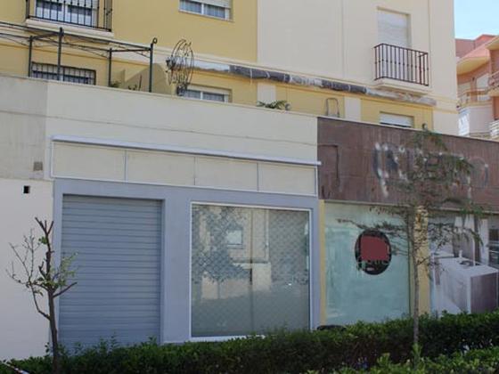 Local - En espacios comerciales en venta  en Calle Patriarca Ramón Pérez Rodriguez -Ruiz Z , Algeciras