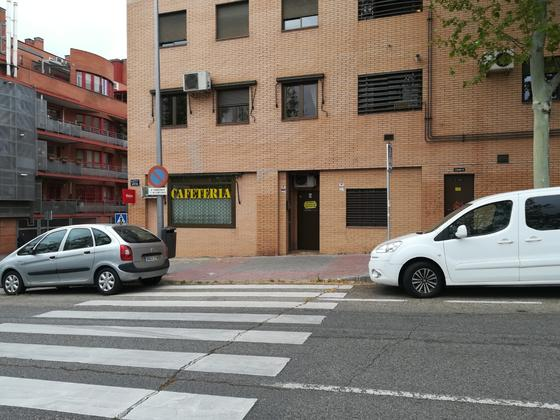Local en venta  en Calle Avena, Madrid Capital