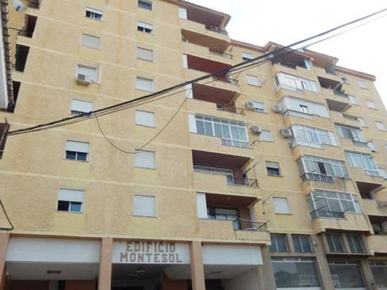 Piso en venta  en  Calle Matías García, Coín