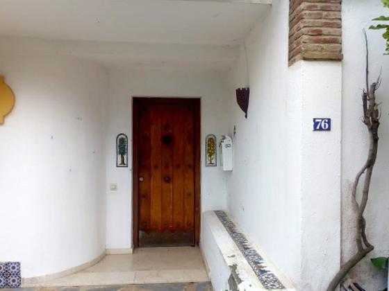 Chalet en venta  en  Urbanizacion Loma del Rey, La Línea de la Concepción