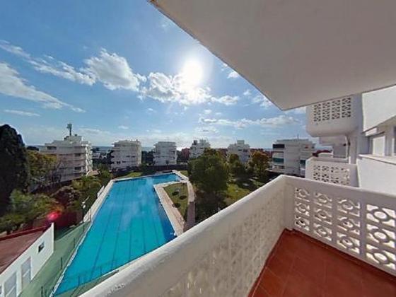 Apartamento en venta  en  Calle Martinete, Estepona