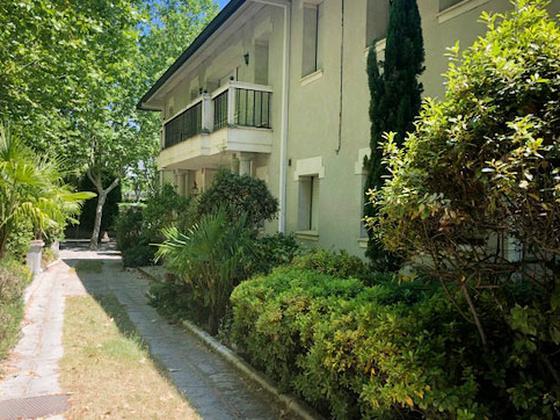 Casa en venta  en  Calle de Amorebieta, Madrid Capital