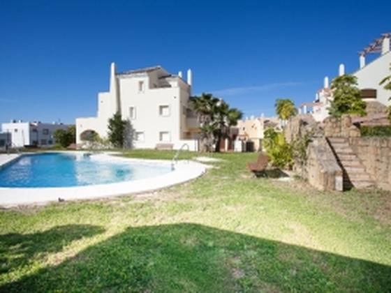 Piso en alquiler  en  Urbanización Balcón del Golf, Marbella