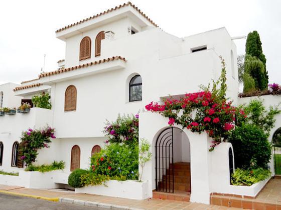 Casa en venta  en  Calle Mesana, Estepona