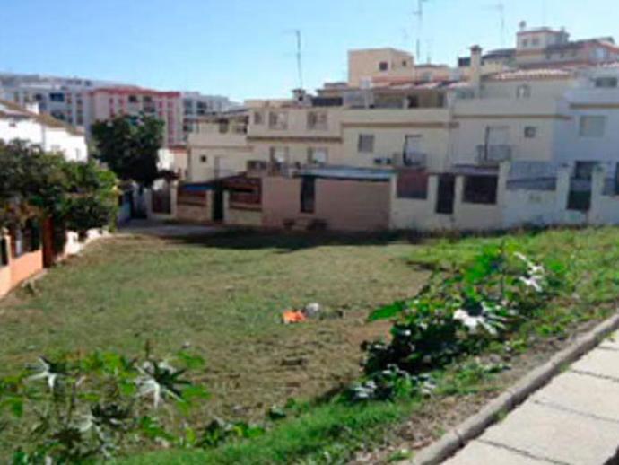 Suelo en venta  en  Calle Juan Blanco, Estepona