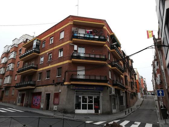 Piso en alquiler  en  Calle del Platano, Madrid Capital