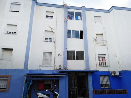 Piso en venta  en  Calle Burgos, La Línea de la Concepción