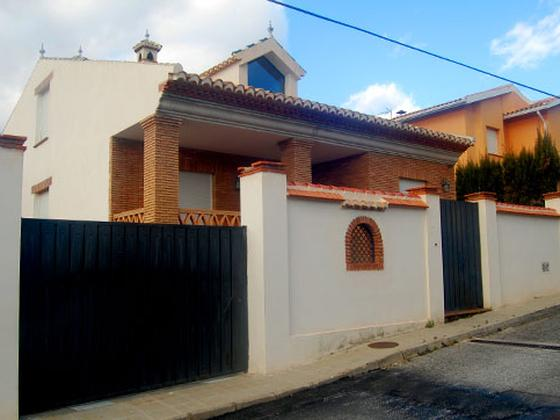 Chalet en venta  en  Calle Cerrillo Redondo, La Zubia
