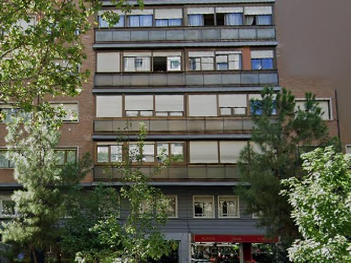 Local en venta  en  Calle de Narváez, Madrid Capital