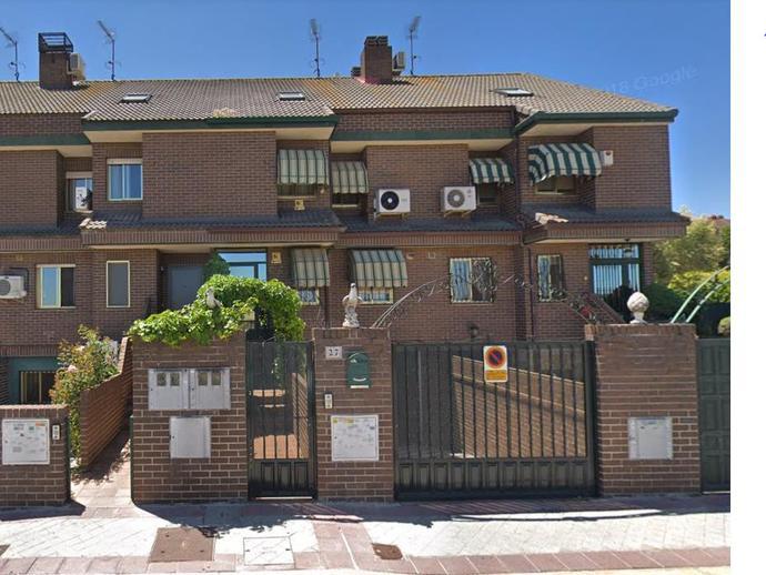Chalet adosado en venta  en  Calle Navarra, Fuenlabrada