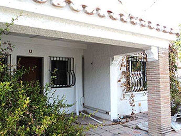 Chalet en venta  en  Urbanización Porqueroles, Marbella
