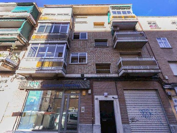 Local en venta  en Calle NUESTRA SEÑORA DE LA LUZ, Madrid Capital