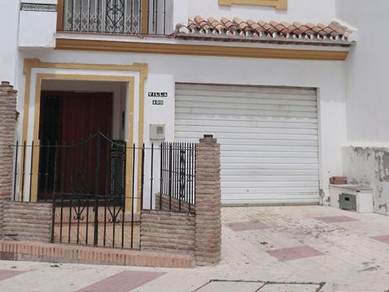 Chalet adosado en venta  en Avenida Segovia, Urb Casamar, Estepona