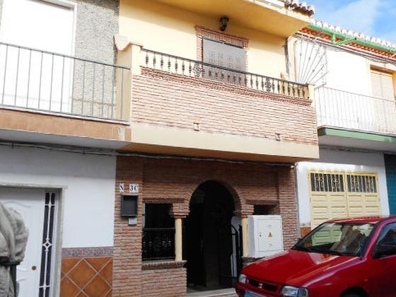 Casa en venta  en Calle GRANADA, La Zubia