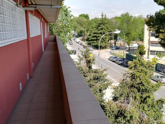 Piso en venta  en Calle Valle De Oro, Madrid Capital
