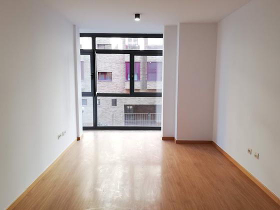 Apartamento en alquiler  en Calle ESCUELA DE VALLECAS, Madrid Capital