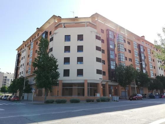 Piso en alquiler  en Calle EMBALSE DE NAVACERRADA, Madrid Capital