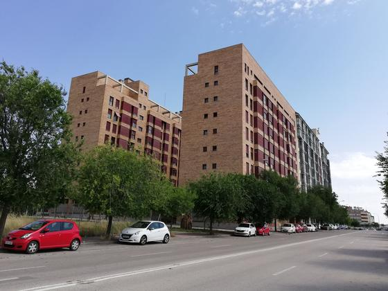 Piso en alquiler  en Calle ESCUELA DE VALLECAS, Madrid Capital