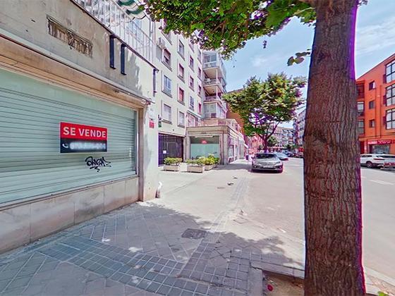 Local en venta  en Calle CARTAGENA, Madrid Capital