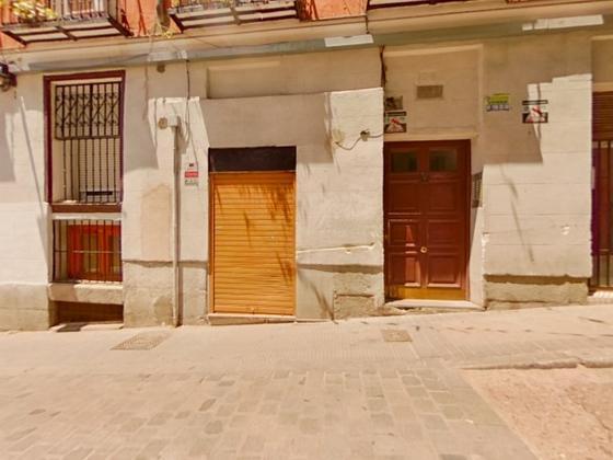 Piso en venta  en Calle SALITRE, Madrid Capital