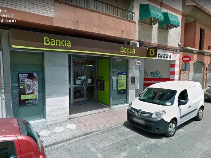 Local - 1ª línea comercial en venta  en Calle Generalife, Maracena