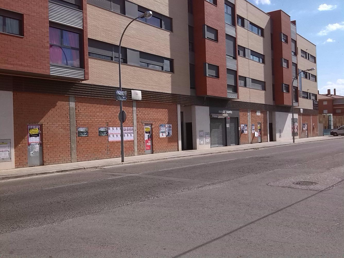 Local - Comercio de barrio en Carretera NOBLEJAS