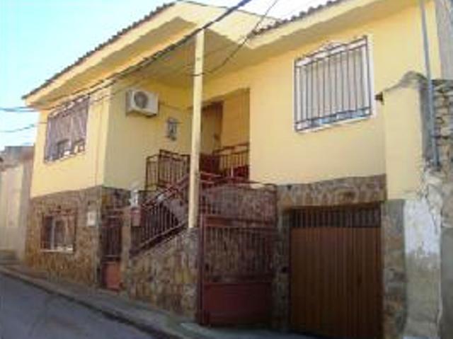 Chalet adosado en Calle MIRADERO