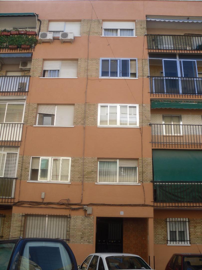 Piso en Calle REINA VICTORIA