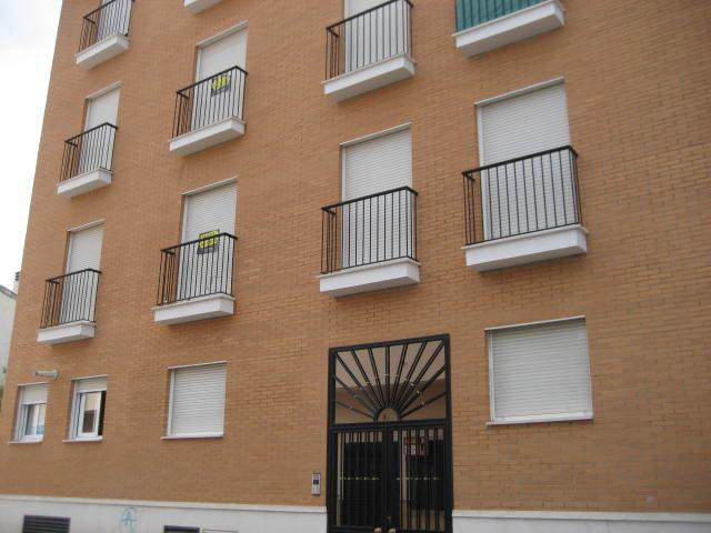 Piso en Calle MARIANA PINEDA