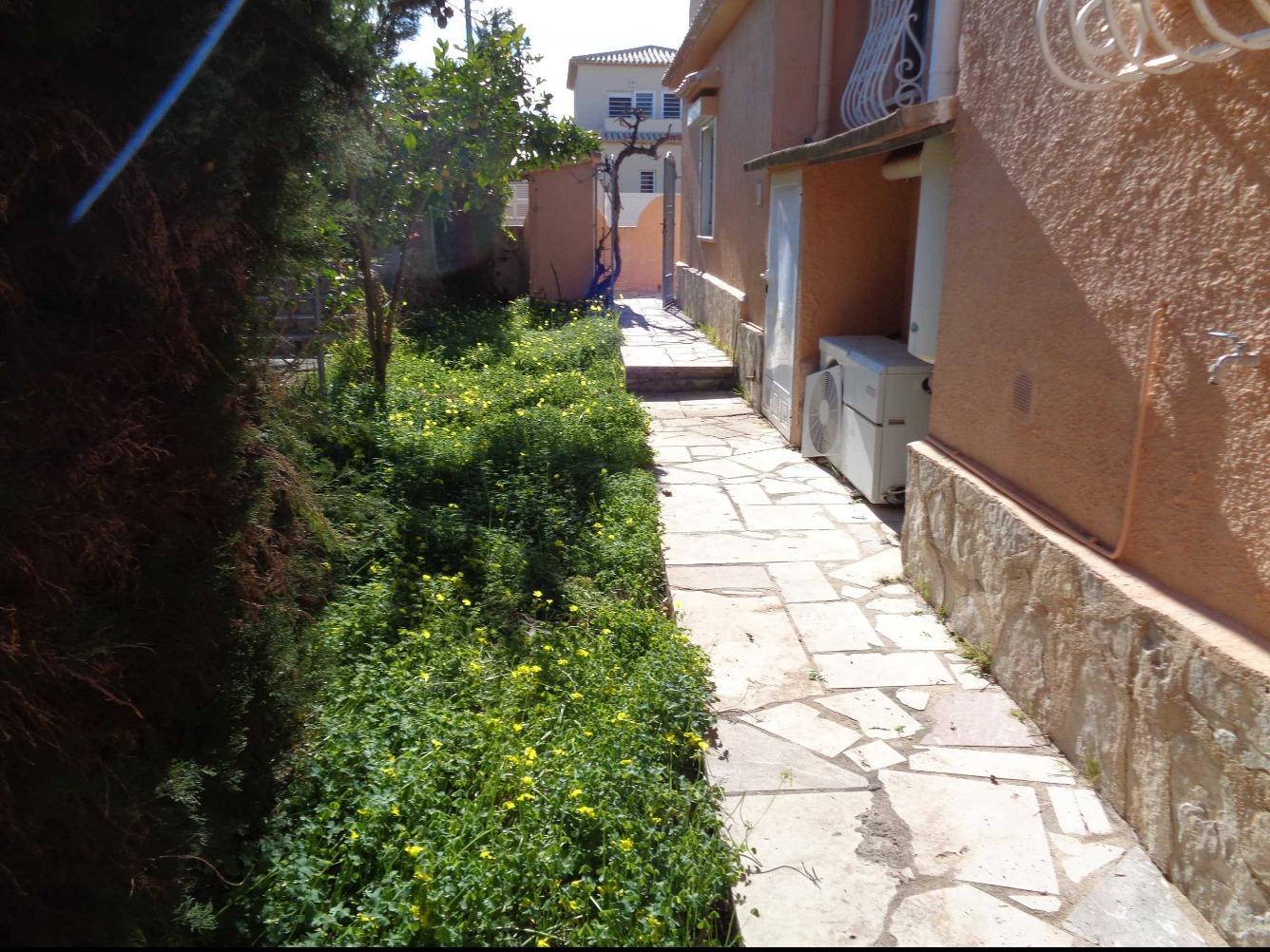 Unifamiliar en Calle 11 -A PTDA. XIRONETS