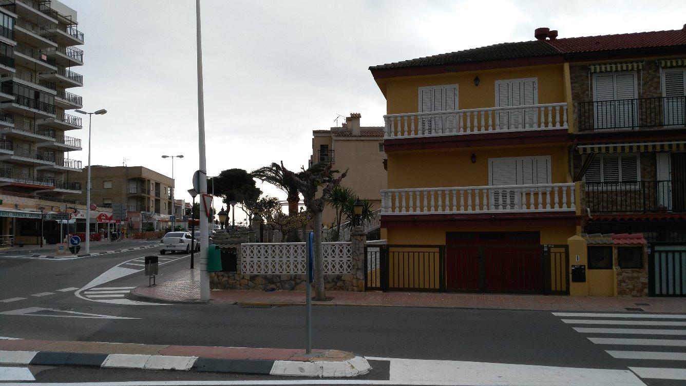 Unifamiliar en Avenida VALENCIA