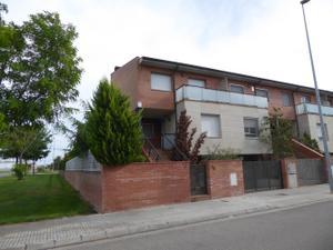 Casa adosada en Venta en Tossal Blanc / Mollerussa