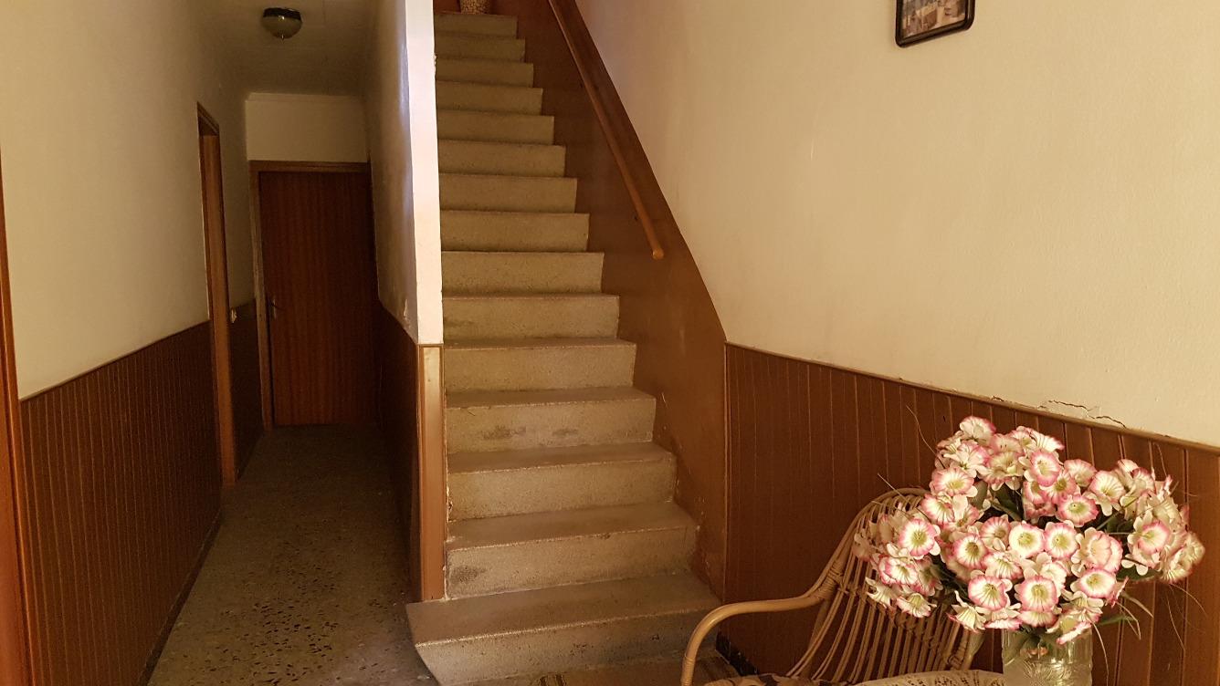 Casa  Calle balmes, 44. Casa en venta en bellvís.