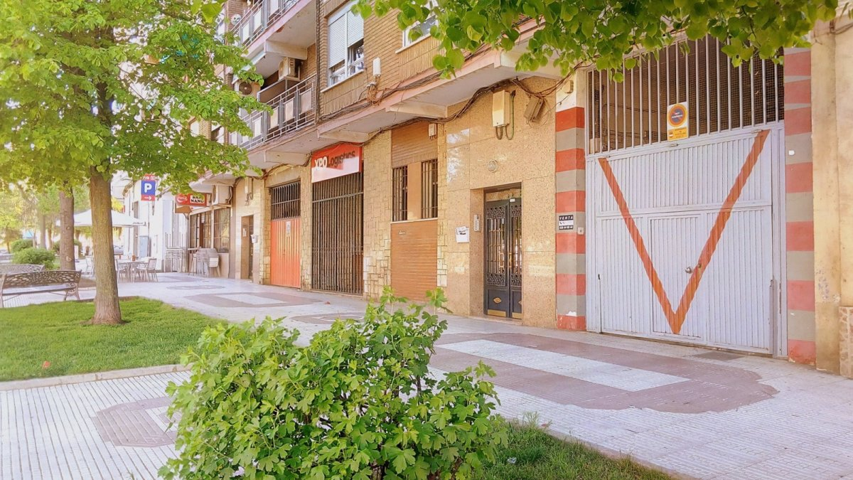 Parking coche  Calle ancha, 91. Plazas de garaje.