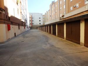 Garaje en Venta en Paseo San Gregorio. / Centro