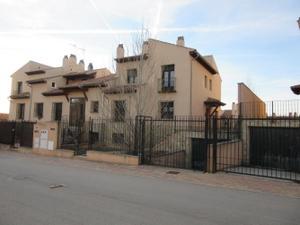 Casa adosada en Venta en Oprtunidad Adosados C.móstoles / Arcas del Villar